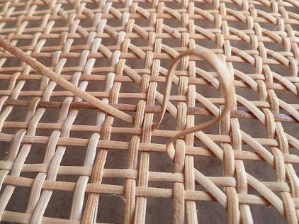 cannage et réparation de chaises, sièges dans le Hainaut